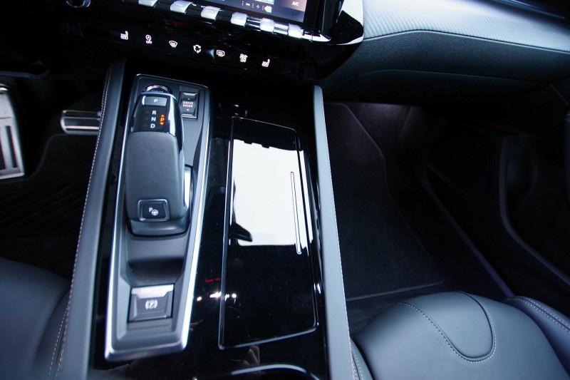 Photo 13 de l'offre de PEUGEOT 508 SW BLUEHDI 160CH S&S GT LINE EAT8 à 36400€ chez ACCEL' AUTO