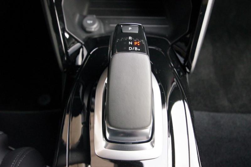 Photo 14 de l'offre de PEUGEOT 2008 E-2008 136CH GT LINE à 28400€ chez ACCEL' AUTO