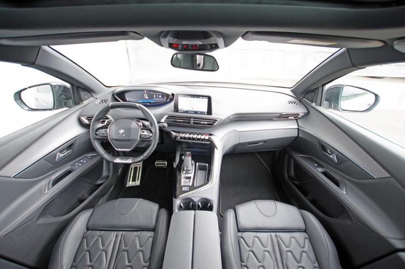 Photo 3 de l'offre de PEUGEOT 5008 2.0 BLUEHDI 180 S&S GT EAT8 à 34950€ chez ACCEL' AUTO