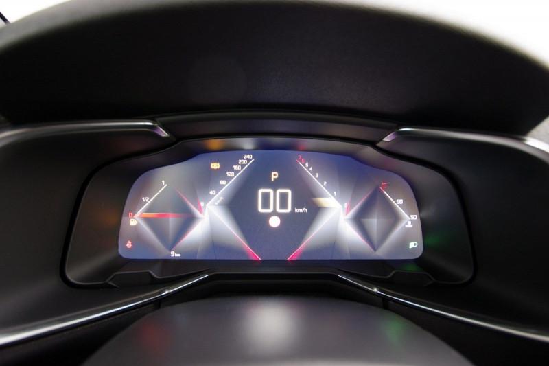 Photo 18 de l'offre de DS DS 7 CROSSBACK PURETECH 180CH PERFORMANCE LINE AUTOMATIQUE à 38300€ chez ACCEL' AUTO