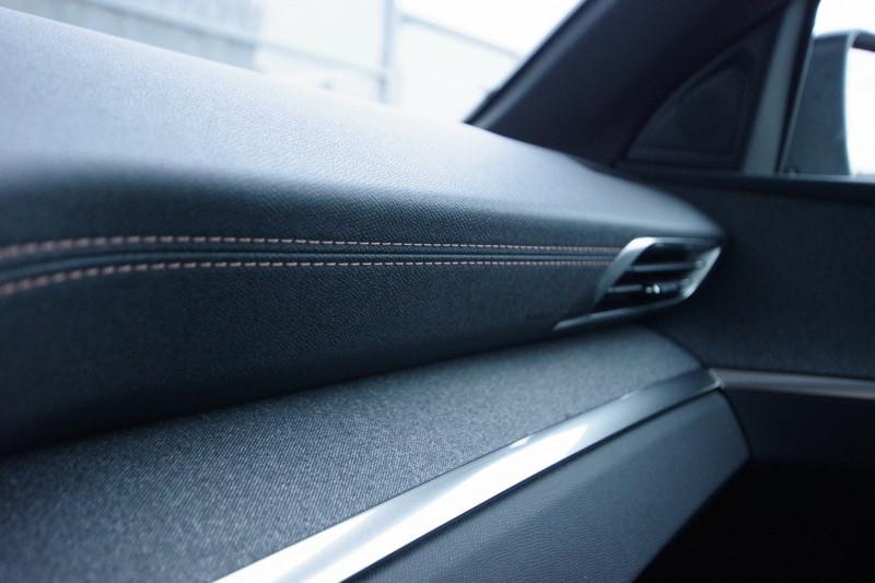 Photo 19 de l'offre de PEUGEOT 3008 1.5 BLUEHDI 130 S&S GT LINE EAT8 à 32700€ chez ACCEL' AUTO