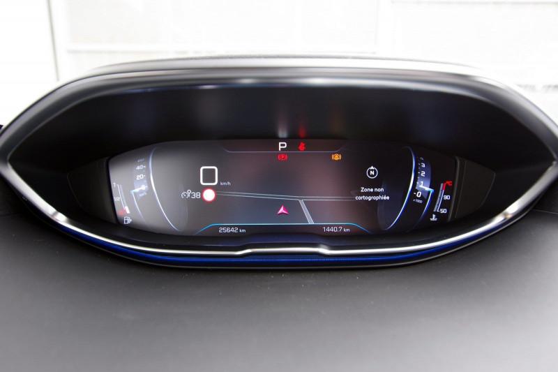 Photo 17 de l'offre de PEUGEOT 5008 2.0 BLUEHDI 180 S&S GT EAT8 à 34950€ chez ACCEL' AUTO