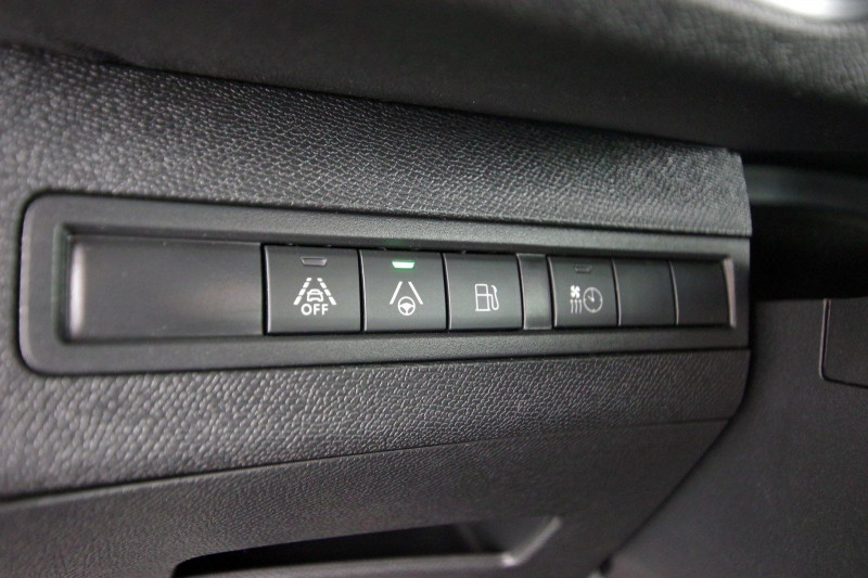Photo 11 de l'offre de PEUGEOT 3008 HYBRID4 300CH GT E-EAT8 à 38800€ chez ACCEL' AUTO
