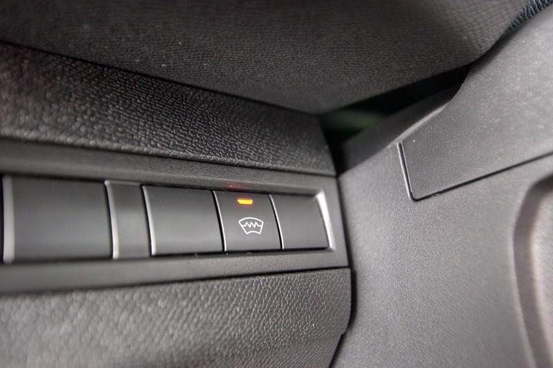 Photo 15 de l'offre de PEUGEOT 5008 2.0 BLUEHDI 180 S&S GT EAT8 à 34950€ chez ACCEL' AUTO