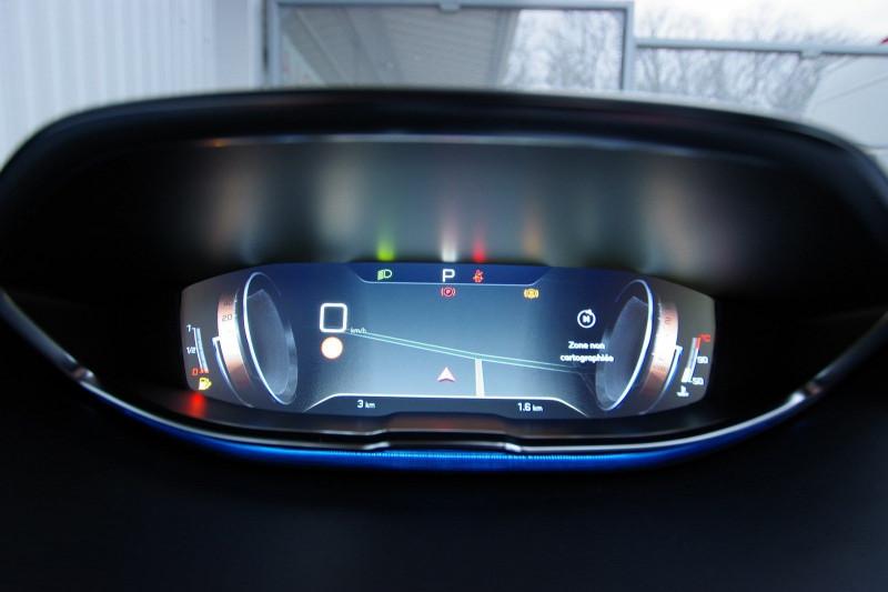 Photo 12 de l'offre de PEUGEOT 3008 1.5 BLUEHDI 130 S&S GT LINE EAT8 à 32700€ chez ACCEL' AUTO