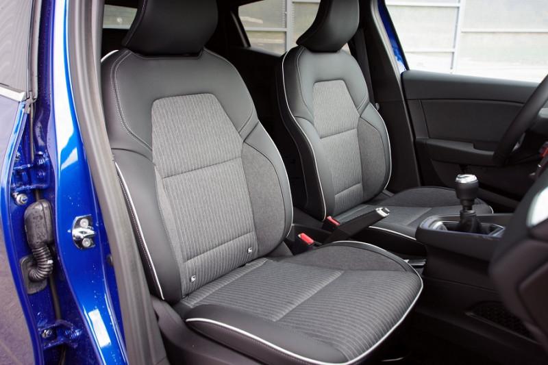 Photo 4 de l'offre de RENAULT CLIO V 1.5 BLUE DCI 115 INTENS à 18700€ chez ACCEL' AUTO