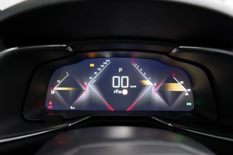 Photo 11 de l'offre de DS DS 7 CROSSBACK 1.6 PURETECH 225 CH PERFORMANCE LINE AUTOMATIQUE à 39800€ chez ACCEL' AUTO