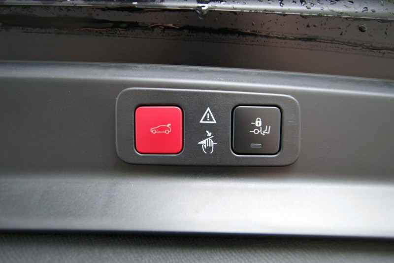 Photo 8 de l'offre de PEUGEOT 5008 2.0 BLUEHDI 180 S&S GT EAT8 à 34950€ chez ACCEL' AUTO