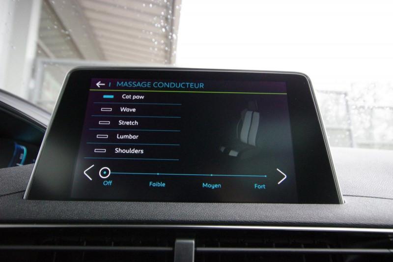 Photo 25 de l'offre de PEUGEOT 3008 HYBRID4 300CH GT E-EAT8 à 38800€ chez ACCEL' AUTO