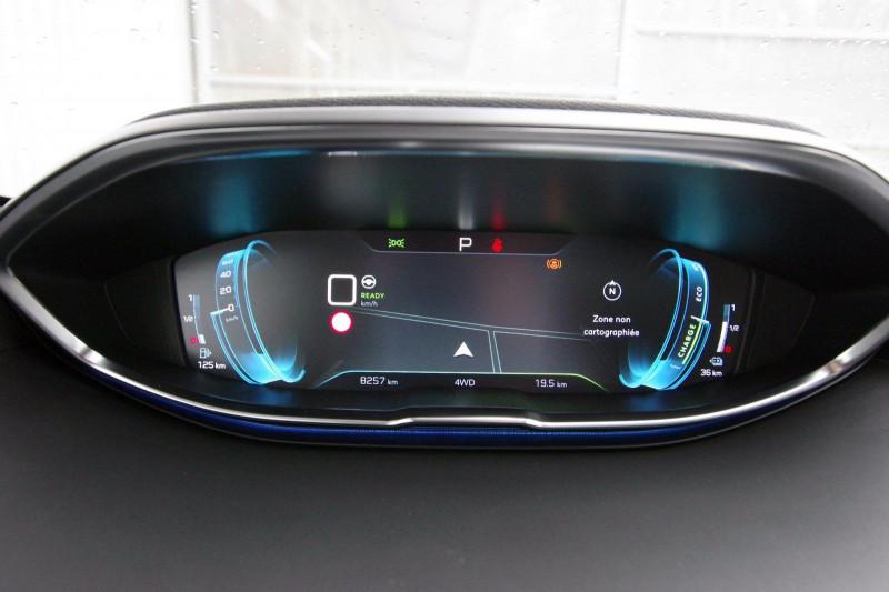 Photo 14 de l'offre de PEUGEOT 3008 HYBRID4 300CH GT E-EAT8 à 38800€ chez ACCEL' AUTO