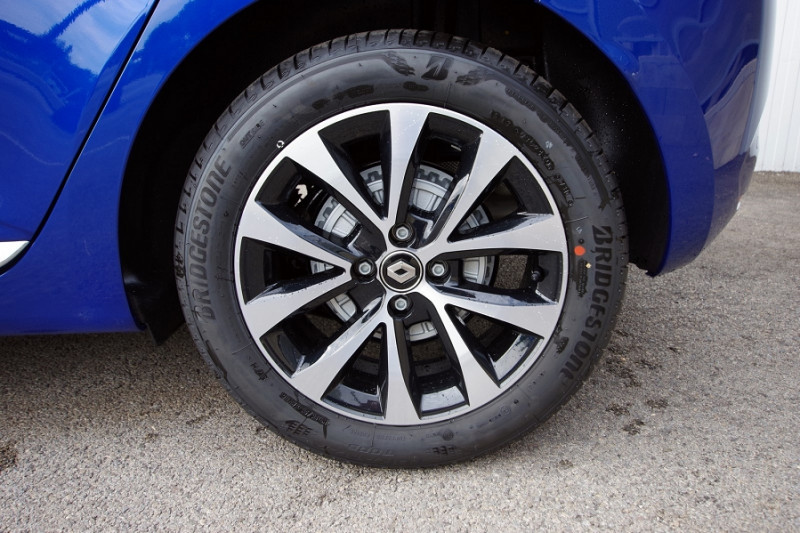 Photo 7 de l'offre de RENAULT CLIO V 1.5 BLUE DCI 115 INTENS à 18700€ chez ACCEL' AUTO