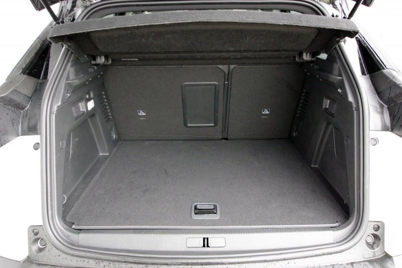 Photo 6 de l'offre de PEUGEOT 3008 HYBRID4 300CH GT E-EAT8 à 38800€ chez ACCEL' AUTO