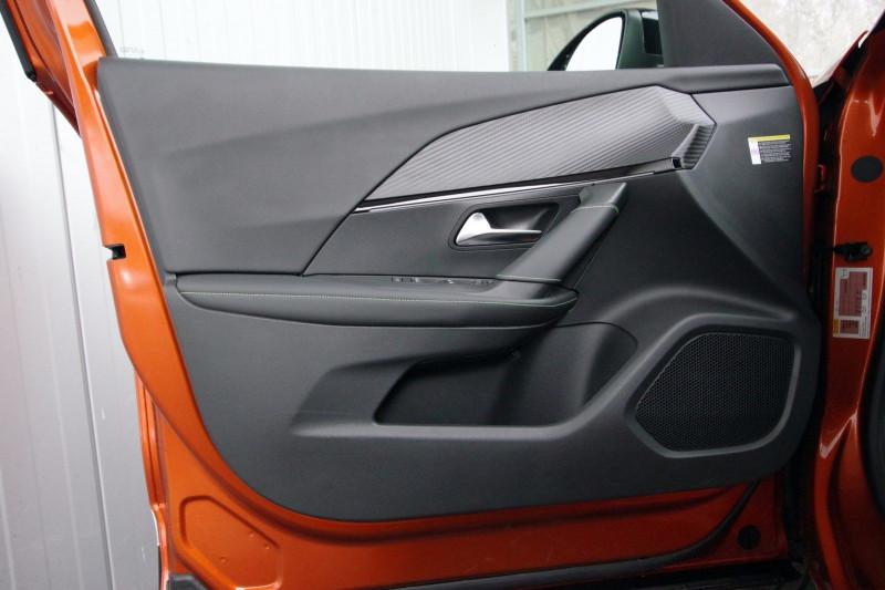 Photo 17 de l'offre de PEUGEOT 2008 E-2008 136CH GT LINE à 28400€ chez ACCEL' AUTO