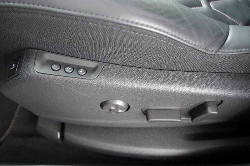 Photo 13 de l'offre de PEUGEOT 5008 2.0 BLUEHDI 180 S&S GT EAT8 à 34950€ chez ACCEL' AUTO