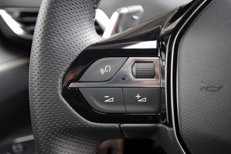 Photo 16 de l'offre de PEUGEOT 5008 2.0 BLUEHDI 180 S&S GT EAT8 à 34950€ chez ACCEL' AUTO