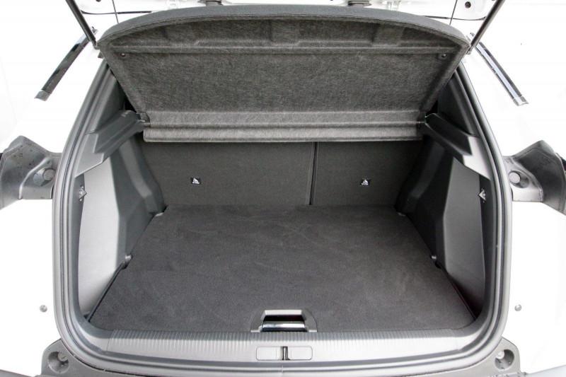 Photo 6 de l'offre de PEUGEOT 2008 E-2008 136CH ALLURE à 25990€ chez ACCEL' AUTO