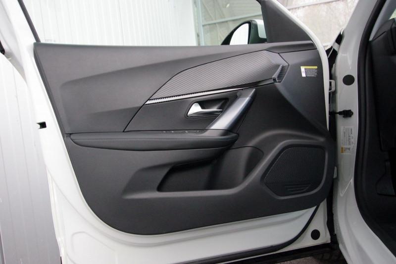 Photo 8 de l'offre de PEUGEOT 2008 E-2008 136CH ALLURE à 25990€ chez ACCEL' AUTO