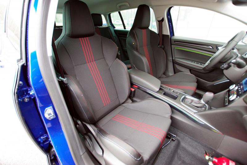 Photo 4 de l'offre de RENAULT MEGANE IV ESTATE 1.5 BLUE DCI 115CH RS LINE EDC à 25200€ chez ACCEL' AUTO