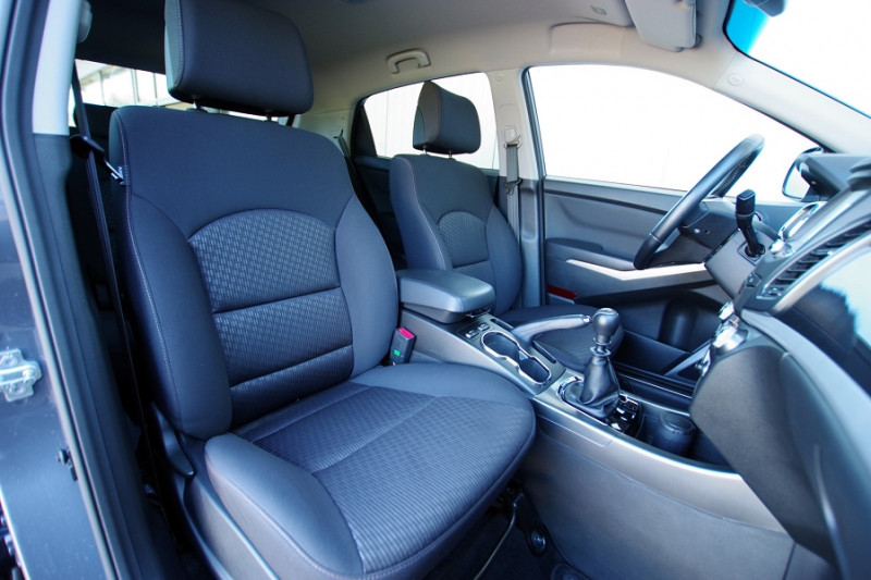 Photo 4 de l'offre de SSANGYONG KORANDO 220 E-XDI 178CH PACK SPORT 2WD à 19900€ chez ACCEL' AUTO