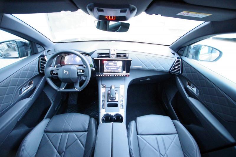 Photo 3 de l'offre de DS DS 7 CROSSBACK 1.6 PURETECH 225 CH SO CHIC AUTOMATIQUE à 41900€ chez ACCEL' AUTO