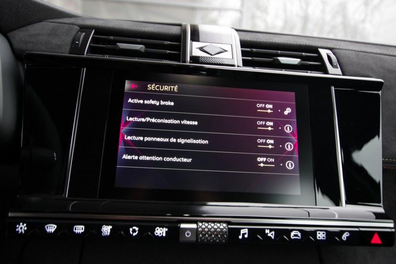 Photo 16 de l'offre de DS DS 7 CROSSBACK PURETECH 180CH PERFORMANCE LINE AUTOMATIQUE à 38300€ chez ACCEL' AUTO