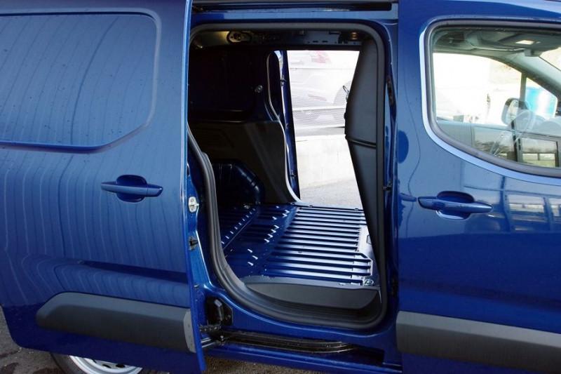 Photo 5 de l'offre de OPEL COMBO CARGO L1H1 650KG 1.5 130CH S&S PACK BVA8 à 19990€ chez ACCEL' AUTO