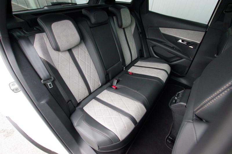 Photo 4 de l'offre de PEUGEOT 3008 HYBRID4 300CH GT E-EAT8 à 38800€ chez ACCEL' AUTO