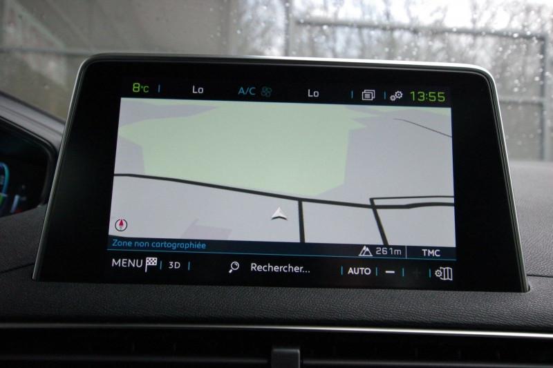 Photo 21 de l'offre de PEUGEOT 3008 HYBRID4 300CH GT E-EAT8 à 38800€ chez ACCEL' AUTO