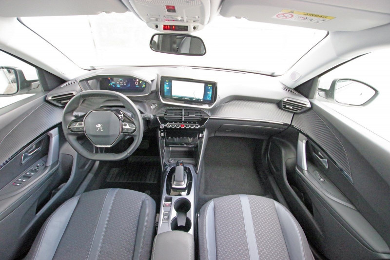Photo 3 de l'offre de PEUGEOT 2008 E-2008 136CH ALLURE à 25990€ chez ACCEL' AUTO