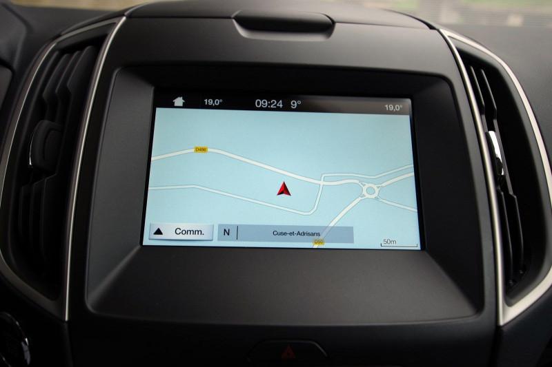 Photo 12 de l'offre de FORD S-MAX 2.0 TDCI 120CH STOP&START BUSINESS à 18800€ chez ACCEL' AUTO