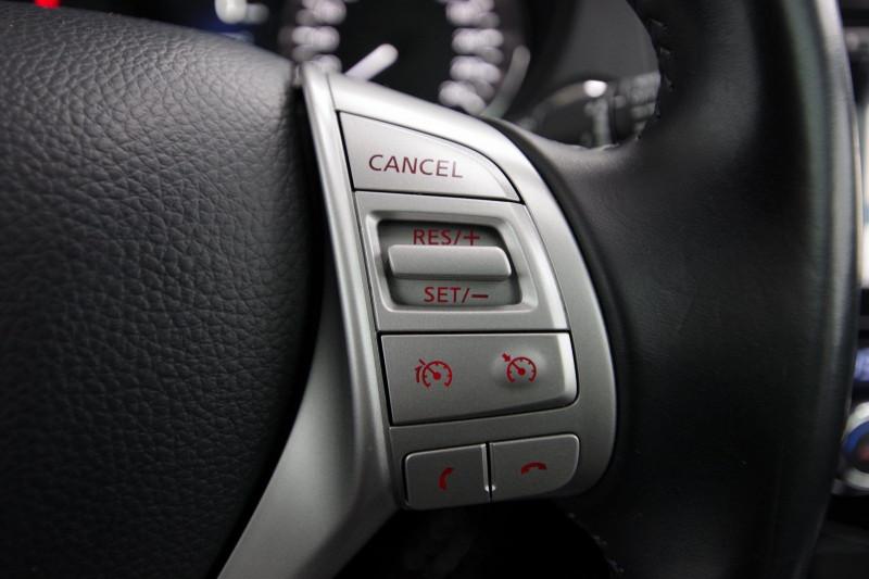 Photo 10 de l'offre de NISSAN QASHQAI 1.6 DCI 130CH TEKNA XTRONIC à 15990€ chez ACCEL' AUTO
