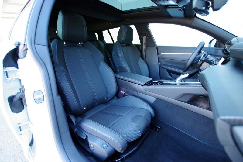 Photo 4 de l'offre de PEUGEOT 508 SW HYBRID 225CH GT LINE E-EAT8 à 35900€ chez ACCEL' AUTO