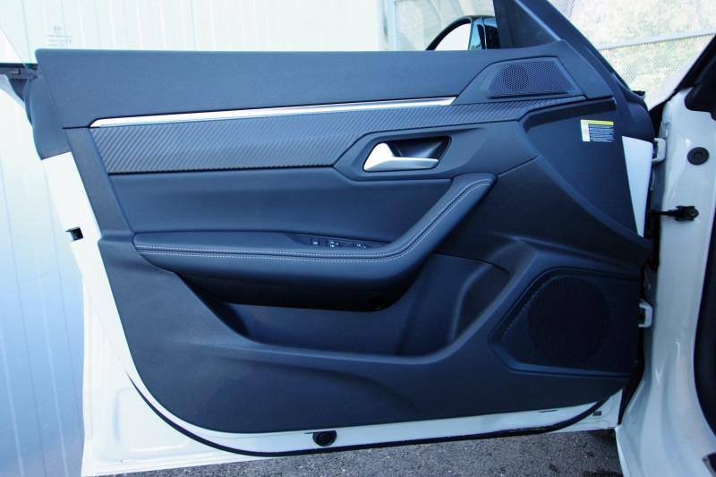 Photo 8 de l'offre de PEUGEOT 508 SW HYBRID 225CH GT LINE E-EAT8 à 35900€ chez ACCEL' AUTO