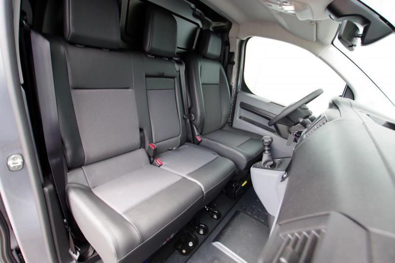 Photo 4 de l'offre de PEUGEOT EXPERT FG LONG 2.0 BLUEHDI 150CH S&S PREMIUM à 28400€ chez ACCEL' AUTO