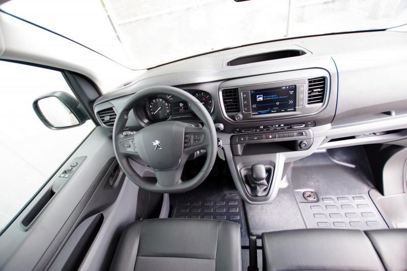 Photo 3 de l'offre de PEUGEOT EXPERT FG LONG 2.0 BLUEHDI 150CH S&S PREMIUM à 28400€ chez ACCEL' AUTO