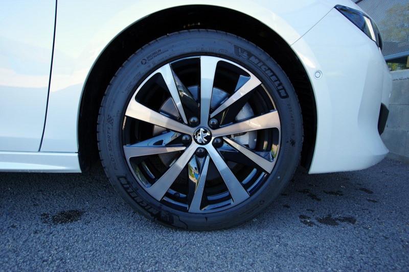 Photo 7 de l'offre de PEUGEOT 508 SW HYBRID 225CH GT LINE E-EAT8 à 35900€ chez ACCEL' AUTO
