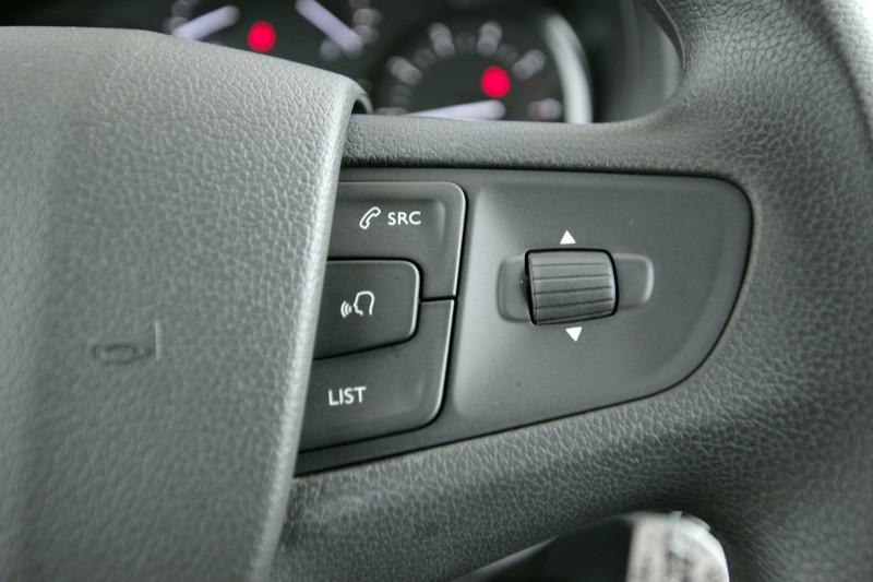 Photo 7 de l'offre de PEUGEOT EXPERT FG LONG 2.0 BLUEHDI 150CH S&S PREMIUM à 28400€ chez ACCEL' AUTO
