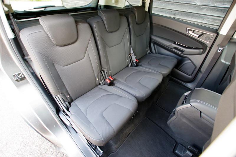Photo 5 de l'offre de FORD S-MAX 2.0 TDCI 150 STOP&START BUSINESS CLASS+ à 17980€ chez ACCEL' AUTO
