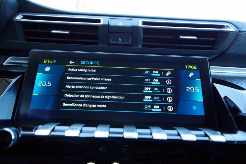Photo 21 de l'offre de PEUGEOT 508 SW HYBRID 225CH GT LINE E-EAT8 à 35900€ chez ACCEL' AUTO