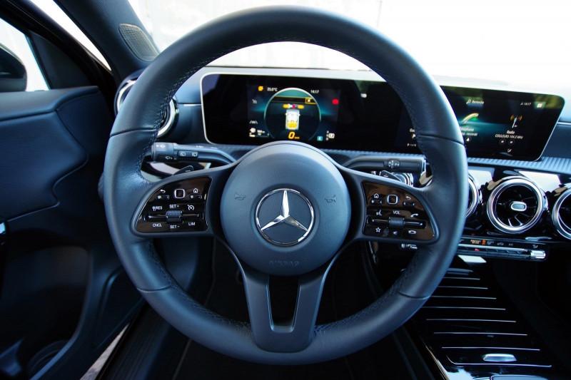 Photo 8 de l'offre de MERCEDES-BENZ CLASSE A (W176) 180 D BUSINESS SOLUTION 7G-DCT à 24700€ chez ACCEL' AUTO