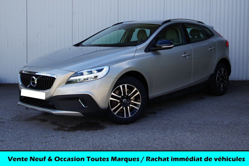 Volvo V40 CROSS COUNTRY T3 PLUS 150 CH GEARTRONIC Essence SABLE Occasion à vendre