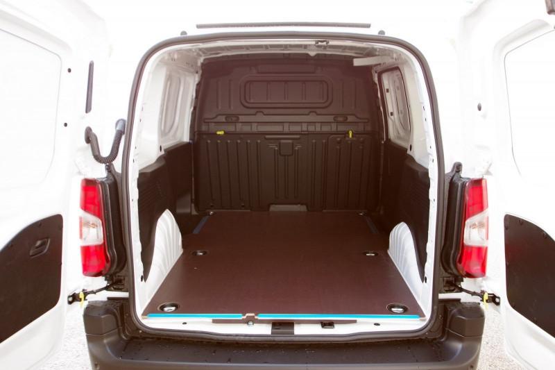 Photo 11 de l'offre de OPEL COMBO CARGO L1H1 650KG 1.5 100CH S&S PACK CLIM à 16800€ chez ACCEL' AUTO