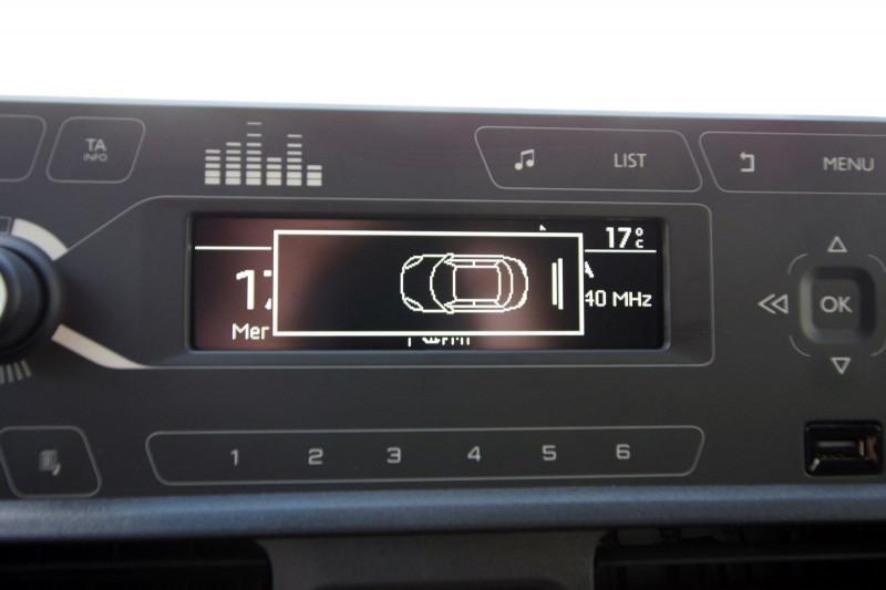 Photo 7 de l'offre de OPEL COMBO CARGO L1H1 650KG 1.5 100CH S&S PACK CLIM à 16800€ chez ACCEL' AUTO