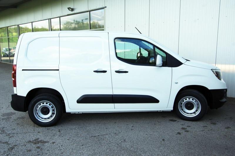 Photo 9 de l'offre de OPEL COMBO CARGO L1H1 650KG 1.5 100CH S&S PACK CLIM à 16800€ chez ACCEL' AUTO