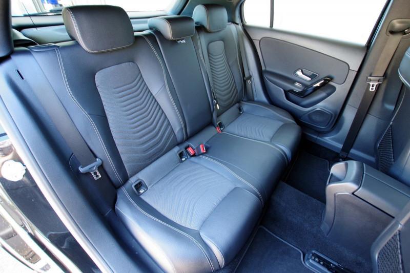 Photo 5 de l'offre de MERCEDES-BENZ CLASSE A (W176) 180 D BUSINESS SOLUTION 7G-DCT à 24700€ chez ACCEL' AUTO