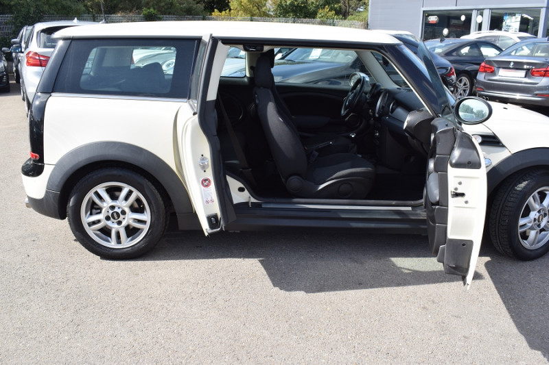 Photo 4 de l'offre de MINI CLUBMAN ONE 98CH à 7900€ chez Univers Motors