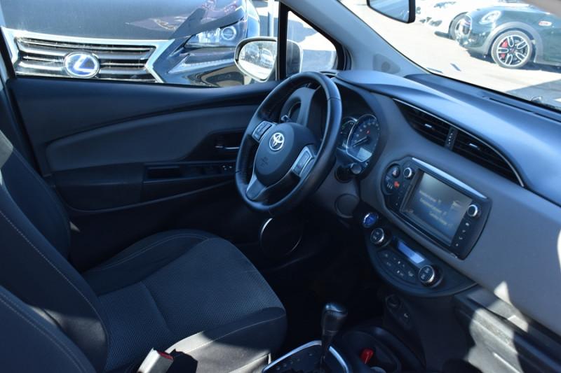 Photo 2 de l'offre de TOYOTA YARIS HSD 100H DYNAMIC 5P à 8400€ chez Univers Motors