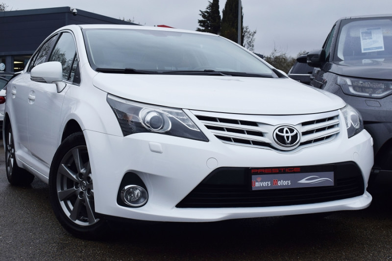 Toyota AVENSIS 124 D-4D BUSINESS LIMITED EDITION 4P Diesel BLANC Occasion à vendre