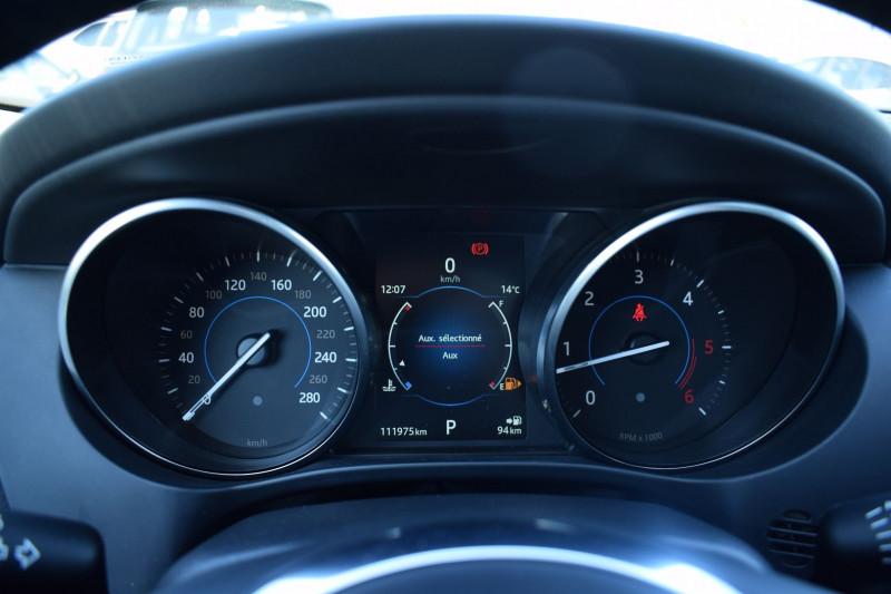 Photo 12 de l'offre de JAGUAR F-PACE V6 3.0D 300CH R-SPORT 4X4 BVA8 à 31900€ chez Univers Motors
