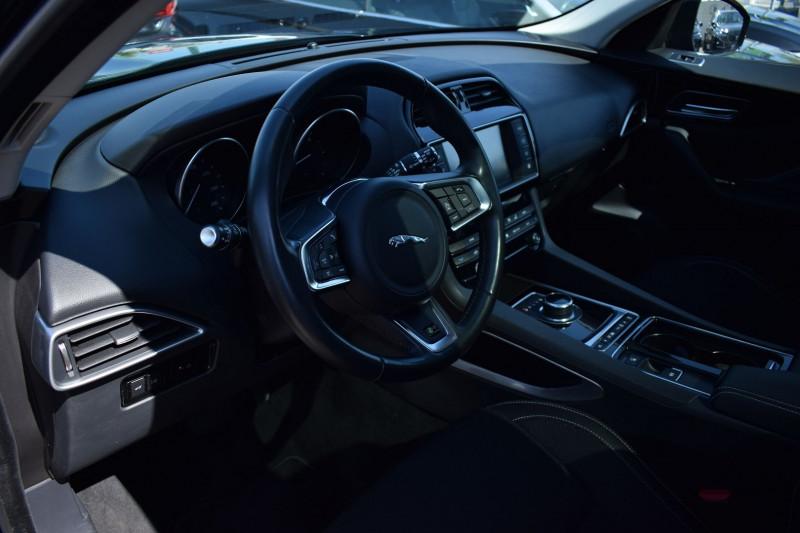 Photo 7 de l'offre de JAGUAR F-PACE V6 3.0D 300CH R-SPORT 4X4 BVA8 à 31900€ chez Univers Motors